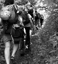 grimpe à Cormot – par Hubert